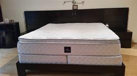 LINGA Bedroom Black: 2 Nightstand, Wood King Bed Frame