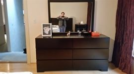 LINGA Bedroom Black: Dresser with 6 Drawers, Mirror