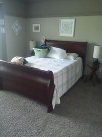 Queen Bed Frame Linens