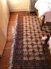 Large rug measuring 12'x8'