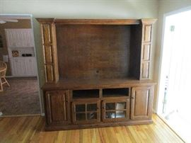 ENTERTAINMENT CENTER FOR LARGE T V