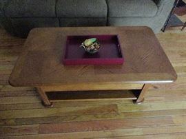 COFFEE TABLE TOP LIFTS UP TO MAKE A TABLE