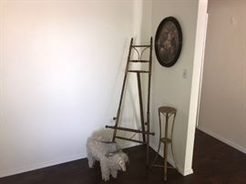 Antique Easel with claw feet!