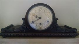 **ANTIQUE*** ORNATE MANTLE CLOCK