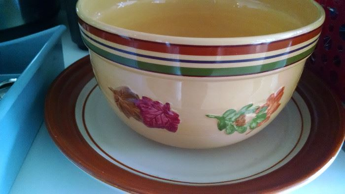 GREAT POTTERY SERVING PIECES...GREAT FALL COLORS!
