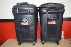 2 United Solutions Trash Cans with Wheels
