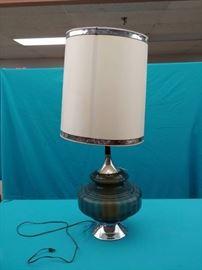 1 Large Vintage Lamp