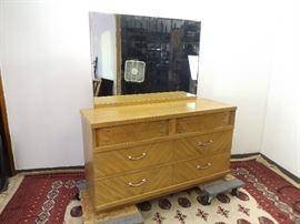 Mid Century Blonde Oak United Furniture Corp 6 Drawer Vanity