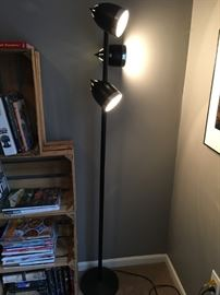 3 bulb floor lamp, black.