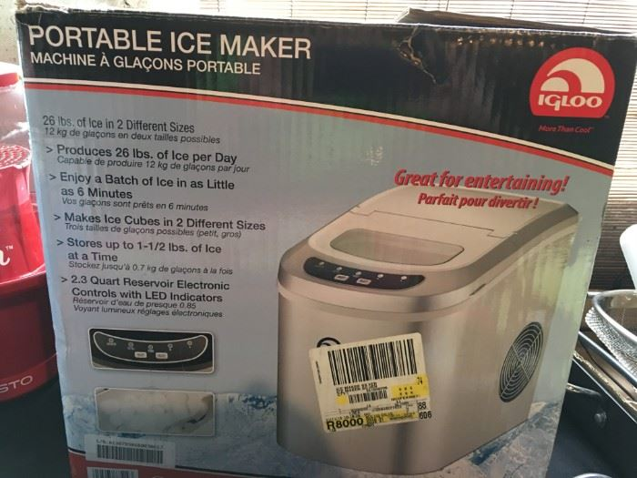 Igloo Portable Ice Maker, in box.