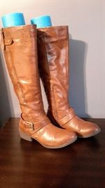 Brown leather boots, size 10.