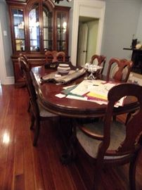 China Hutch Dining Table, Double Pedestal, 6 chairs