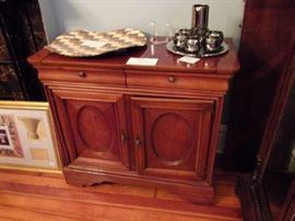 Sideboard, opens up as server