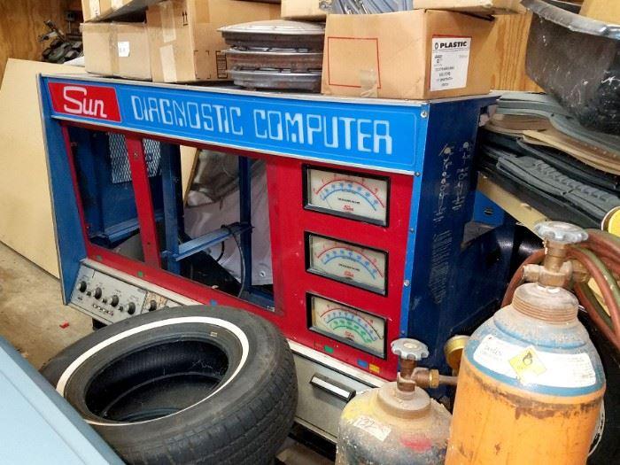Vintage Sun diagnostic computer