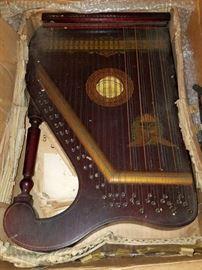 Antique marxophone, zither
