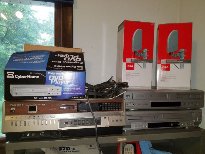 Vintage and new electronics