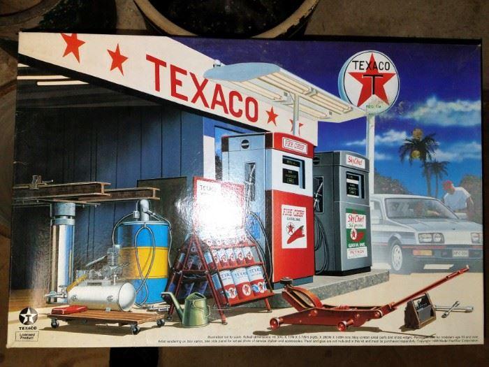 Texaco station model kit...