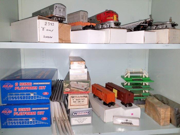 Model train parts & accessories