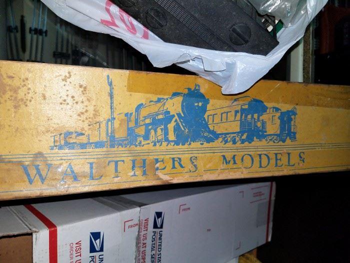Model trains, parts & accessories