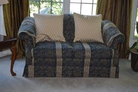 Loveseat Sofa & Decorative Pillows