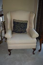 Accent Chair & Decorative Pillow