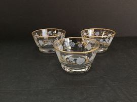 3 Dessert Bowls with Stenciled Vine Pattern https://ctbids.com/#!/description/share/46636