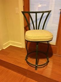 Set of 6 bar stools