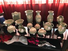 Cameo pottery