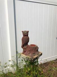 Owl concrete plant holder