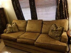 Nice Thomasville Sofa