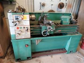 1 Central machinery gear head metal lathe.