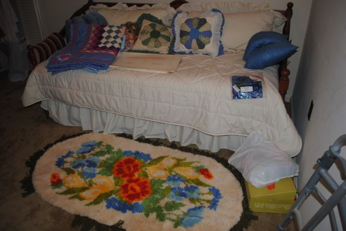 Hook rug, Daybed and trundle bed
