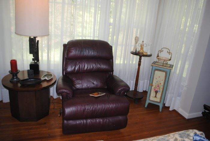 LaZBoy leather recliner  - side table