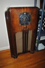 Zenith floor model radio