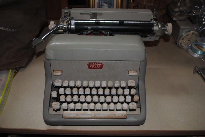 Royal Typewriter - non electric