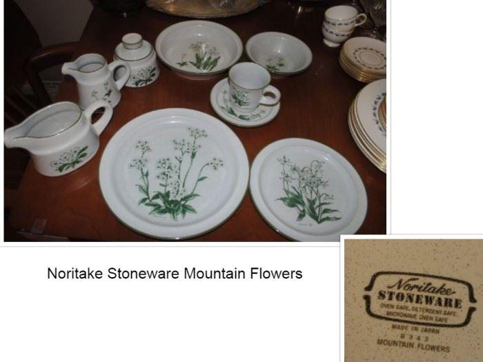 Noritake Stoneware Mountain Flowers