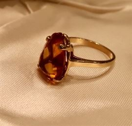 Amber Stone (chipped on point) - 14K-4.7 grams