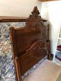 Antique Bed Dark Mahogany, in Queen