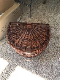 Ravinia Basket, PicNic Basket never been used could fit on front of your Bicycle.