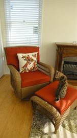 Wicker chair w/ Ottoman