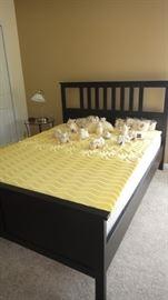 Black  Platform Bed w/ mattress topper
