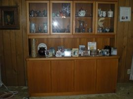 House of Denmark hutch. Top and bottom light up. Cutlery drawers on left bottom. perfect condition.