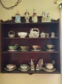 30 Pieces, Shelf, Cups  Saucers