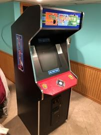 TRI SPORTS arcade game