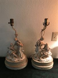 Fantastic lighting and lamps throughout household