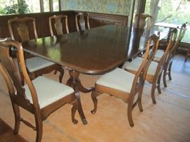 VERY NICE DINING ROOM TABLE WITH 10 CHAIRS