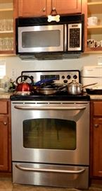 Stove and Microwave for sale.