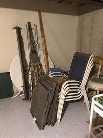 patio chairs (4)