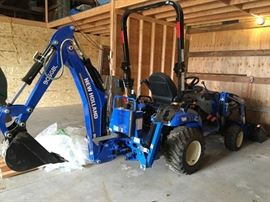 2018 New Holland Workmaster Tractor Model 25T4B       Please Note we will be taking offers on the Tractor Prior to the Sale for this item only.  Serious inquiries only Thanks