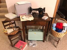 VINTAGE/current Singer sewing machines